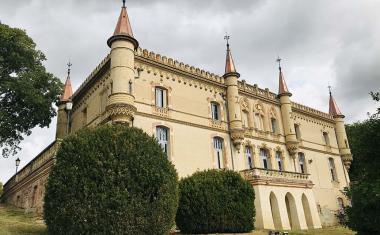Décor pour votre tournage : le château neo-gothique de Launaguet